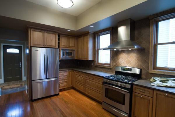Как оформить дизайн кухни с газовой плитой и вписать плиту в интерьер