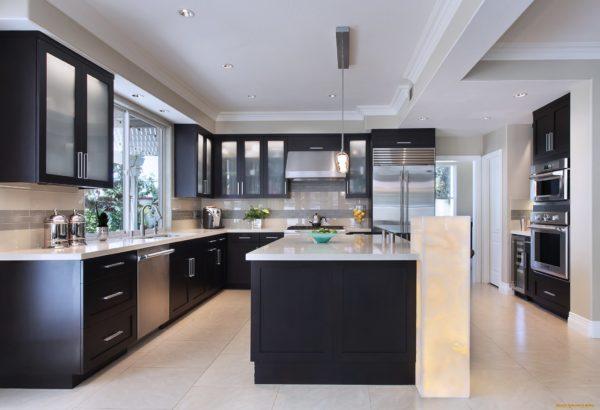 Дизайн кухни в двух цветах - идеи комбинирования и правила оформления