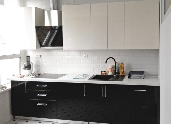 Дизайн белой кухни с белой столешницей - идеи сочетаний и варианты отделки