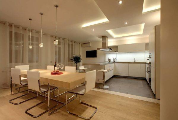 Интерьер кухни-гостиной в современном стиле - дизайн проект совмещенного помещения