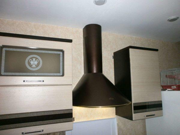 Как подобрать размер вытяжки по ширине для кухонной плиты - стандартные размеры и габариты