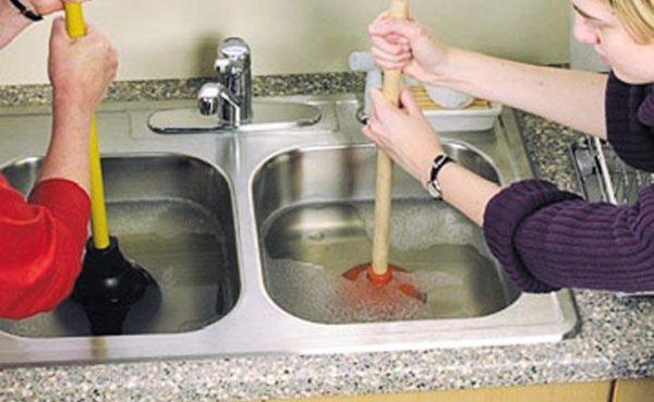 Запах из раковины на кухне - как и чем убрать вонь из раковины