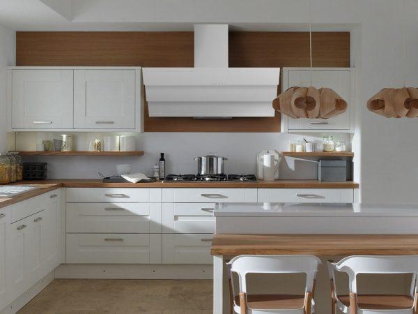 Кухня с наклонной вытяжкой - идеи дизайна и оформление уютного интерьера