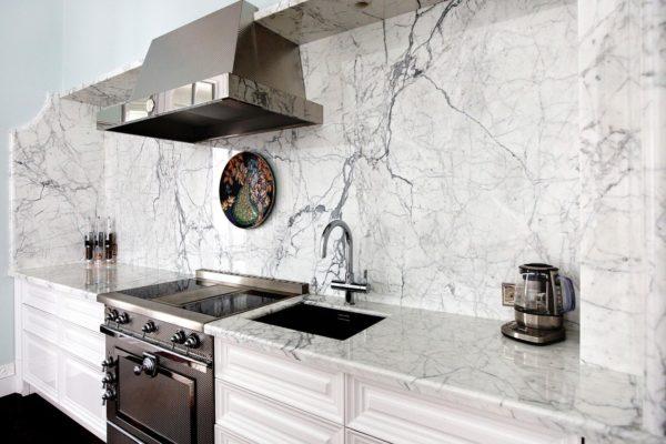 Мрамор на кухне - варианты использования в интерьере