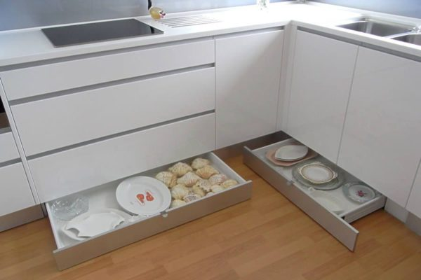 Как организовать хранения под мойкой на кухне - идеи обустройства места под раковиной