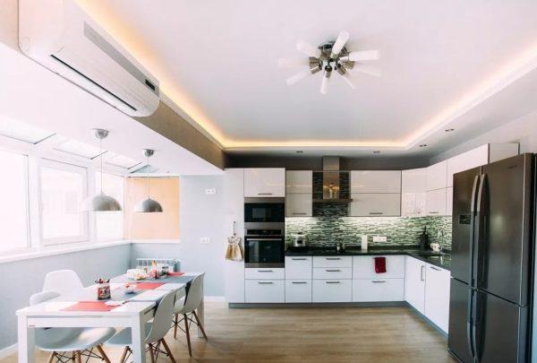 Как и какой натяжной потолок лучше выбрать  для кухни