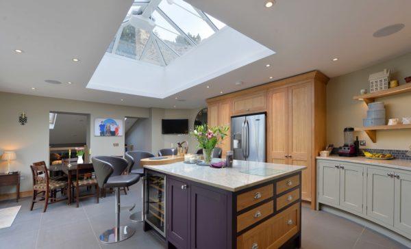 Дизайн фиолетовой кухни - секреты сочетания оттенков в оформлении интерьера