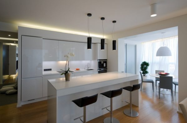 Свет над барной стойкой на кухне - идеи подсветки и высота подвешивания светильников
