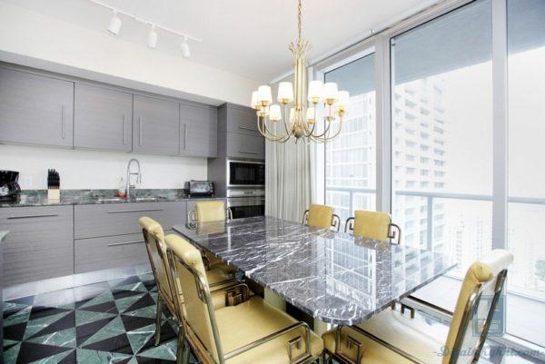 Освещение над кухонным столом на кухне - выбор подходящих светильников и ламп