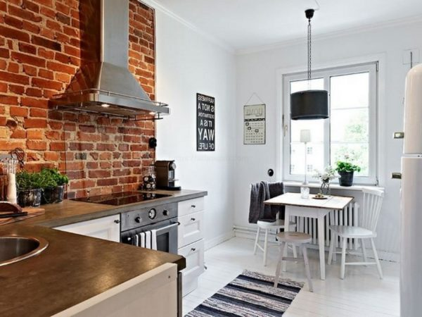 Дизайн кухни с кирпичной стеной - какой материал выбрать декоративный или натуральный