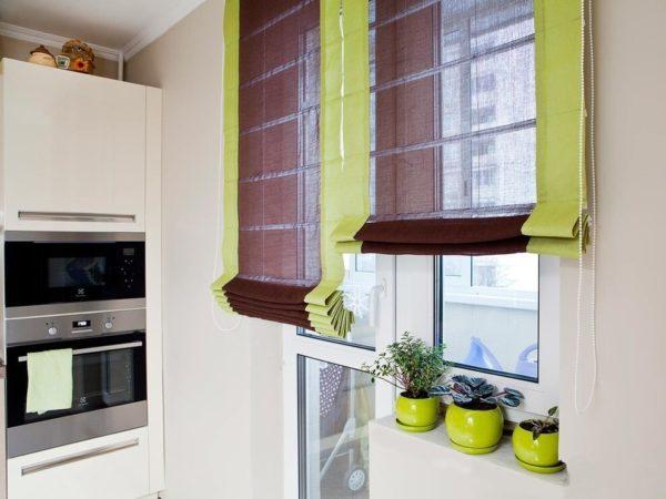 Дизайн штор для кухни с балконной дверью - оформление кухонного окна